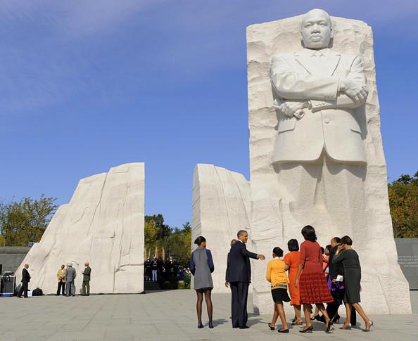 obama-mlk-memorial